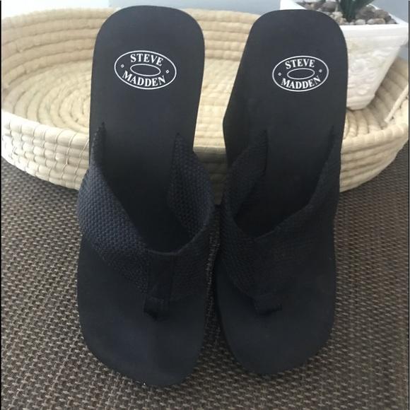 Steve Madden Shoes - Steve Madden platform flip flops sz 8 NWOT